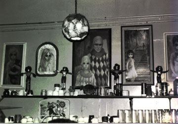 jabberjaw coffeehouse eary nineties above the counter with Kiss dolls ca. 1992