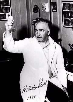 Wilhelm Reich 1944 concting something
